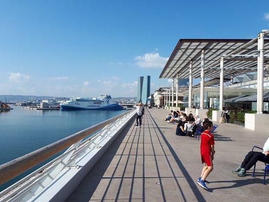 les terrasses du port marseille